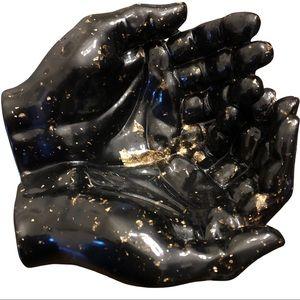 🔥 Resin Hands Black & Gold